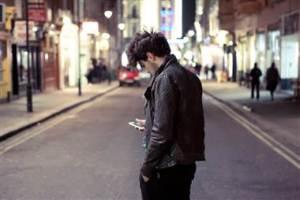 120920-texting-pedestrian-kb-150p